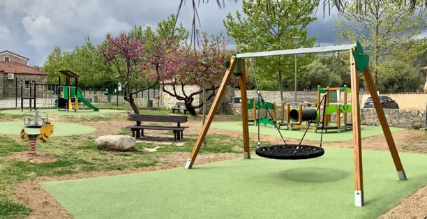 Aire de jeux Travo-centre près du groupe scolaire